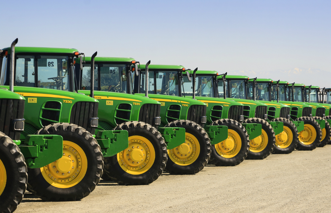 Should your small business lease or buy equipment?